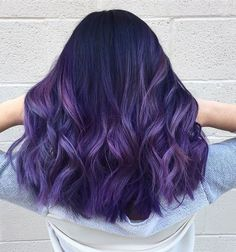 Frisuren Ombre Haare und lila Ombre # Tigi We are living in a purely cosmetic world where looks and Hair Dye Colors, Ombre Hair Color, Cool Hair Color, Purple Ombre, Hair Colour, Lilac Hair, Coloured Hair, Dye My Hair, Hair Looks