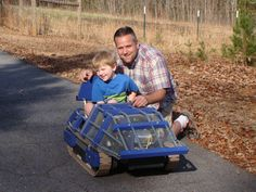 See how one dad built a child-sized tank-like vehicle for his young son using an electric motor, a car battery, and a custom design.