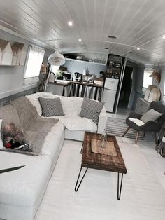 Luxury Houseboats, Narrowboat Interiors, Interior Architecture, Interior Design, Floating House, Canal Boat, Gin, Beams, House Plans