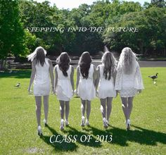 Senior picture ideas... Have your group of best friends looking forward to the future, together