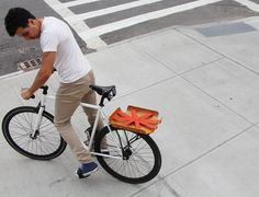 Bent Basket|ロープロファイル&ストラップ付き自転車用ラック「ベントバスケット」 - ガジェットの購入なら海外通販のRAKUNEW(ラクニュー)