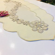 connie rhodes's media content and analytics Crochet Necklace Pattern, Crochet Jewelry Patterns, Tatting Patterns, Crochet Designs, Freeform Crochet, Crochet Art, Irish Crochet, Easy Crochet, Point Lace