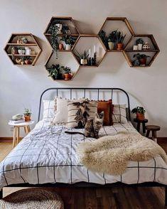 Cute Bedroom Decor, Room Design Bedroom, Room Ideas Bedroom, Small Room Bedroom, Bedroom Setup, Decor Room, Bedroom Inspo, Teen Bedroom Decorations, Bedroom With Plants
