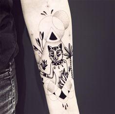 Violette Chabanon - blackwork tattoo