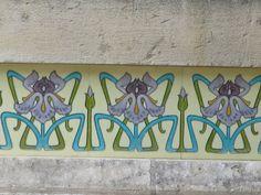 Art Nouveau au fil des rues... Chatelaillon-Plage (17) | by Yvette Gauthier Motifs Art Nouveau, Art Nouveau Flowers, Tile Art, Mosaic Tiles, Clay Tiles, Mosaics, Art Nouveau Illustration, Art Nouveau Tiles, Decorative Tile