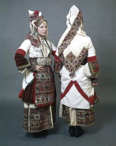 Bulgarian Traditional Folk costume with a white sayás (sleeved coat dress) full of impressive embroidered and woven gold and multicoloured motifs from the Bulgarian village Episkopi (Piskopiya), Florina Bride Costume, Folk Costume, Traditional Fashion, Traditional Dresses, Historical Costume, Historical Clothing, Costume Ethnique, Costumes Around The World, Ap Studio Art
