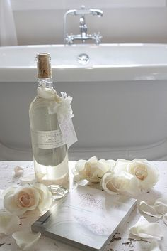 Bed & Breakfast idea: Bath oils for bath for guests to relax