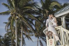Vili es Márti - Tengerparti Esküvő | Florida, USA #utazás #utazásiiroda #weddinginseychelles #tengerpartiesküvő #külföldiesküvő #esküvő #esküvőihelyszìn #esküvő #tenger #málta #eskuvomaltan #sea #külföldiesküvő Miami Beach, Wrap Dress, Florida, Usa, Dresses, The Florida, Vestidos, Wrap Around Dress, Wrap Dresses