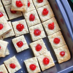 How to make delicious buttery shortbread bites! These are shortbread that is baked into squares instead of dropped onto a cookie sheet. Ham And Noodle Casserole, Dutch Oven Pot Roast, Pistachio Pudding Cake, Boneless Pork Loin Roast, Chuck Roast Recipes, Cooking A Roast, Candy Cane Cookies, Chocolate Cookies, Cookies Et Biscuits