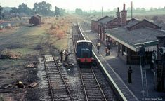 """DM """"Qwag"""" at Quorn and Woodhouse station, 1973 Uk Rail, Disused Stations, Steam Railway, Quorn, Train Stations, British Rail, Old Trains, Diesel Locomotive, Steam Engine"""