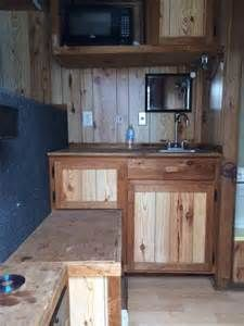 pictures of living quarters in horse trailers | ... .00) 2007 ...