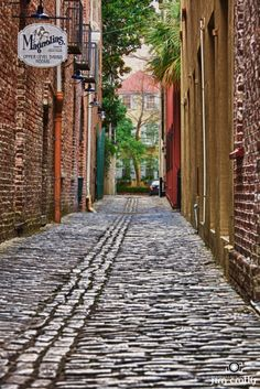 Alleyway, Charleston, SC (Previous pinner: Magnolias is one of my favorite Charleston restaurants.)