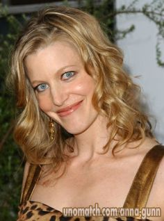 Anna Gunn is an American actress, best known for her role as Skyler White on the AMC drama series Breaking Bad, for which she won the Emmy Award for Outstanding Supporting Actress in a Drama Series in Anna Gunn, Drama Series, Breaking Bad, American Women, American Actress, Movie Tv, Actresses, Celebrities, Celebrity