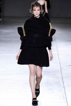 Simone Rocha | Fall 2014 Ready-to-Wear Collection | Style.com