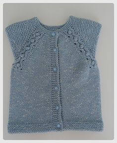 Keep you little one luke-warm along with a neutral jacket. Knitting For Kids, Baby Knitting, Crochet Baby, Toddler Outfits, Girl Outfits, Sleeveless Cardigan, Ravelry, Baby Vest, Knit Vest