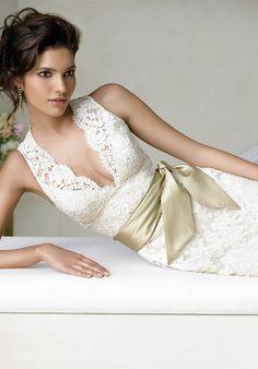 Lace wedding dress I  the bodice