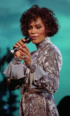 Whitney Houston in Fur   Whitney.Elizabeth.Houston** on Pinterest   Whitney Houston, Fashion ...