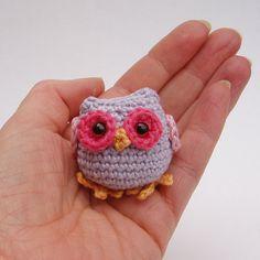 Tiny owl amigurumi crochet pattern by Lybo