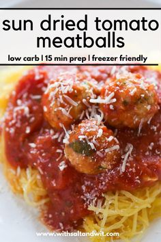 Skinny Sun Dried Tomato Meatballs with Spaghetti Squash - With Salt and Wit Slow Cooker Freezer Meals, Healthy Freezer Meals, Healthy Meal Prep, Easy Healthy Recipes, Quick Meals, Easy Dinner Recipes, Spaghetti And Meatballs, Spaghetti Squash, Easy Baked Meatballs