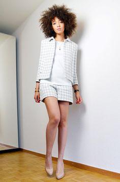 mercredie-blog-mode-geneve-ensemble-chanel-style-zara-short-lk-bennett-nude-pumps-sledge-kate-middleton-escarpins