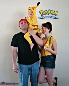 Pokemon Family Costume More Homemade Halloween Costumes, Halloween Costume Contest, First Halloween, Family Halloween Costumes, Couple Halloween, Halloween Cosplay, Costume Ideas, Halloween Ideas, Toddler Halloween