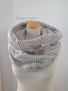 Grand SNOOD Col écharpe Femme - tricoté main - coloris Beige argent - très  doux et chaud en Mohair 321296f0381
