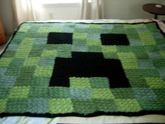 For Jodi - crochet: Minecraft creeper blanket. Cute idea for a throw blanket over the new couch! Crochet Afghans, Crochet Squares, Crochet Blankets, Granny Squares, Yarn Projects, Knitting Projects, Crochet Projects, Crochet Crafts, Crochet Ideas