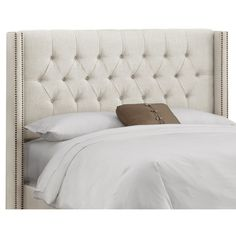 From first apartments to resort-worthy guest suites, this handmade headboard offers the perfect finishing touch for any space. Embrace your inner design mave...