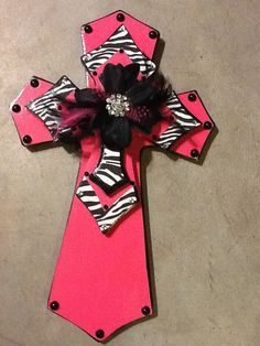 Show Jesus some love with Pink and Zebras! For the little Christian Girl in you! Wooden Cross Crafts, Wooden Crosses, Crosses Decor, Wall Crosses, Painted Crosses, Christmas Mom, Christmas Books, Zebra Print Rug, Diy Craft Projects