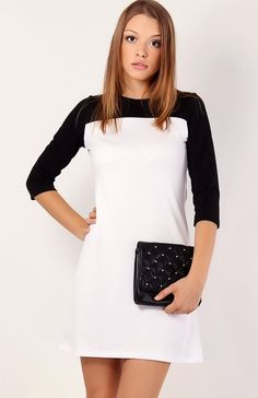 Makadamia M02 sukienka czarno-biała Dwukolorowa trapezowa sukienka
