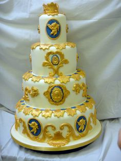 A fantastic cake, another idea for a Baroque theme.