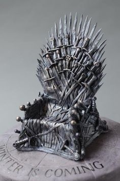 Game-of-Thrones-cake-7-iron-throne