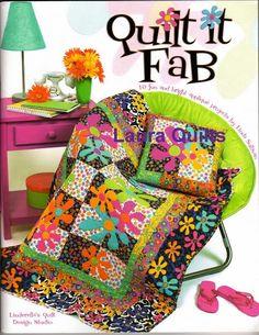 170 Quil it fab - maria cristina Coelho - Álbuns da web do Picasa Sewing Magazines, Applique Fabric, Book Quilt, Quilt Art, Textiles, Design Studio, Book Crafts, Craft Books, Free Sewing
