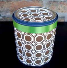 wrapping paper-covered paint can for kitchen counter storage Kitchen Counter Storage, Can Design, Paint Cans, Craft Projects, Craft Ideas, Cool Gifts, Thrifting, Organizing, Organization