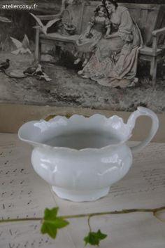 Vaisselle ancienne , saucière  Brocante de charme atelier cosy.fr