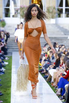 0fb11252ddcd Jacquemus Spring 2019 Ready-to-Wear Fashion Show Collection  See the  complete Jacquemus