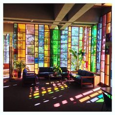 "S T U D I O Λ I I Ξ Λ > on Instagram: ""#AHEADinspiration Ethical Society of St.Louis, designed by Harris Armstrong, circa 1965 . . . . . #HarrisArmstrong…"" Mexican Interior Design, Apartment Interior Design, Contemporary Interior Design, Interior And Exterior, Stained Glass Designs, Stained Glass Art, Stained Glass Windows, Painting On Glass Windows, Mexican Home Decor"