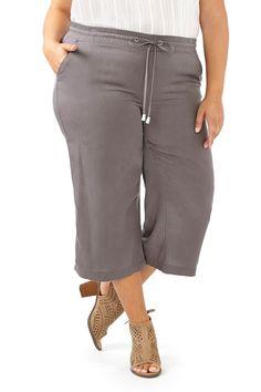 Wide Leg Capri Pants (Plus Size)