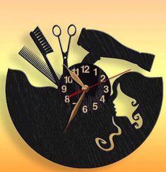 Ceas de Perete din Lemn HairDresser HairStylist Coafeza      Ceasuri handmade | Cumpara online cu livrare nationala, din Cluj-Napoca. Mai multe Casa si Gradina in magazinul IVIStyle pe Breslo.