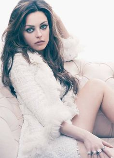 Mila Kunis - Actress - Hot - New - Hollywood