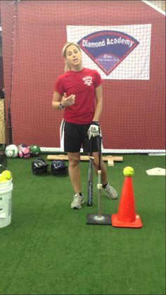 SOFTBALL BASEBALL HITTING DRILLS *KEEPING HEAD IN*