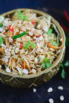 Spicy Thai Green Papaya Salad is a healthy and delicious authentic thai style salad made with raw papaya with Thai flavours. Best Salad Recipes, Indian Food Recipes, Asian Recipes, Vegetarian Recipes, Ethnic Recipes, Lunch Recipes, Yummy Recipes, Healthy Recipes, Eating Raw