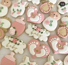 Baby shower cookies/Baby girl/baby shower/baby shower cookies/baby romper/ it's a girl/ sugar cookies Cow Baby Showers, Baby Shower Niño, Baby Shower Flowers, Baby Shower Princess, Floral Baby Shower, Girl Baby Shower Cakes, Baby Girl Cookies, Baby Shower Cookies, Fancy Cookies