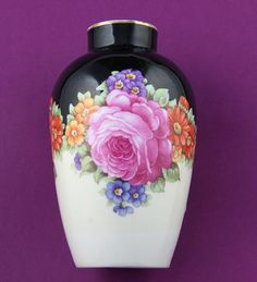Antique Vase Alt Wien***