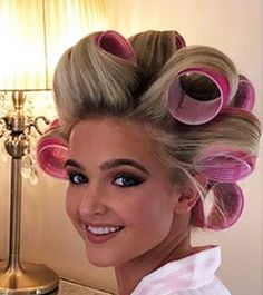 (notitle) Sure, the bushy perms of the might be out of vogue, but there are plenitude of hair pe Permed Hairstyles, Modern Hairstyles, Hair Curlers Rollers, Using A Curling Wand, Different Types Of Curls, Getting A Perm, Really Long Hair, Air Dry Hair, Wand Curls
