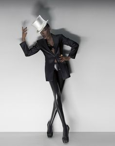 Yugoslavian born Andrea Klarin shot recently this beautiful editorial with Ms Grace Jones