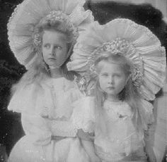 Mignon and her elder sister, Elisabeth, Princesses of Romania.