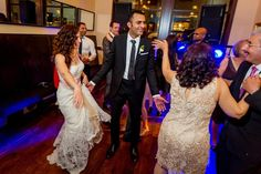 What makes me happy? This right here. Smiling faces & dancing feet! @redboxpictures  #Seattledj #seattleweddingdj #seattleweddingentertainment #seattlewedding #seattlebride #weddingreception #weddingparty #bride #engaged #weddingplanning #weddingpro #seattle #wnusaseattle #seattle