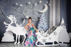 Christmas Stage Design, Christmas Photo Props, Christmas Backdrops, Christmas Minis, Outdoor Christmas, Christmas Photos, Christmas And New Year, New Years Decorations, Stage Decorations