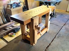 2012 Workbench Of The Month - Wood Vise Screw and Wooden Vise for Leg Vise, Wagon Vise, Shoulder Vise, Twin Screw Vise, Tail Vise and Face Vise for Wood Workbenches Woodworking Tools For Sale, Woodworking Bench, Wood Vise, Workbench Vise, Wood Bench Plans, Carpenter Work, Wood Creations, Carpentry, Wood Crafts